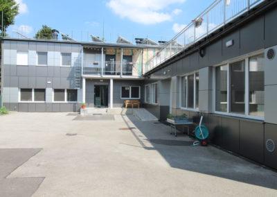 bomis-Innenhof-firmengelaende-002